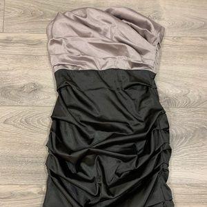 Dresses & Skirts - Le chateau dress